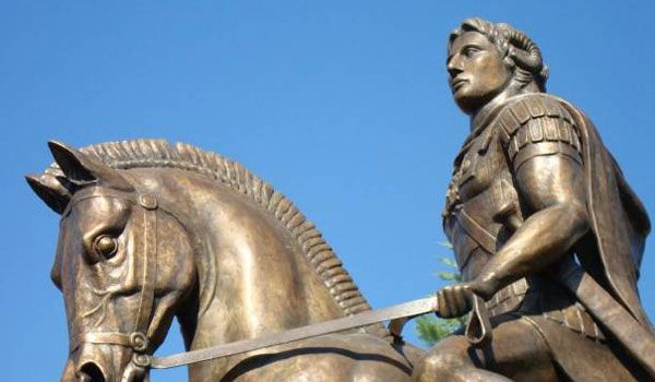 Η Εταιρεία Ελλήνων Φιλολόγων εναντίον Φίλη για το Φίλιππο και το Μέγα Αλέξανδρο!    Κατά του υπουρ...