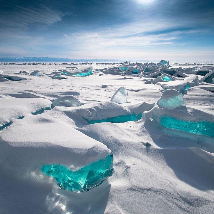 Il lago Baikal e i cristalli di ghiaccio siberiani: uno spettacolo unico al mondo.  Credit: Alexey Trofimov