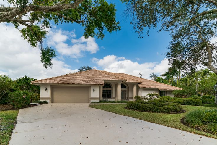 NEW LISTING in Mill Run - Turn Key, Move in Ready - Call Ryan Peacock - Keller Williams Naples RyT Group (239) 719-0760 for a private showing and more information. Virtual Tour of 1921 Blackstone Cir, Naples FL 34109, USA.