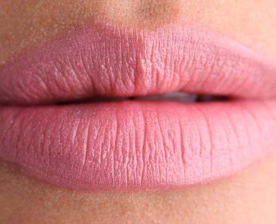 MAC Angel Lipstick R$ 69,00