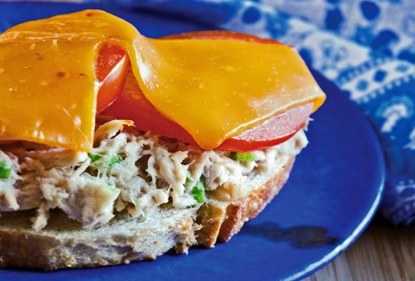 dinner soon.  This reminds me of my momma: Tuna Melt Recipe, English Muffins, Recipe Recipes I Want To Make, Tuna Melts, Recipe Lizbet451, Recipe Link, 911Tm Recipes, Classic Tuna