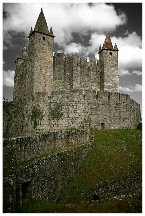 Castelo de Santa Maria da Feira - Fique a conhecer os tesouros do Douro Litoral em: www.asenhoradomonte.com
