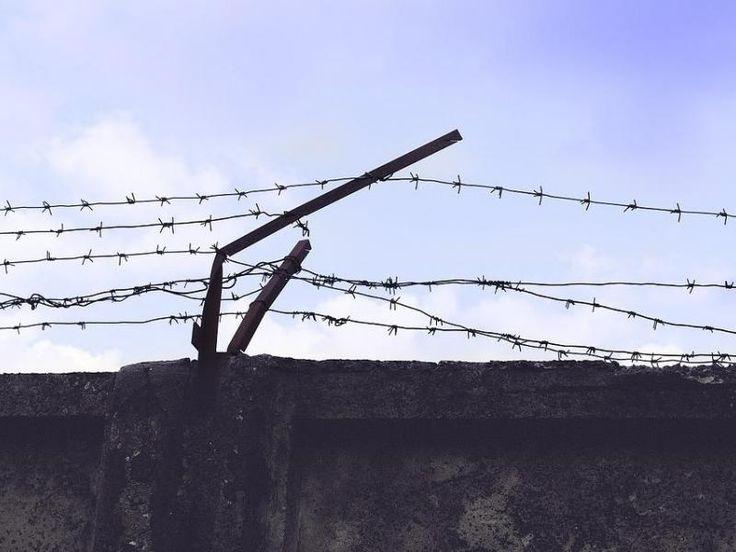 Repatrían a ciudadano acusado de extorsión continuada detenido ... - La Estrella de Panamá