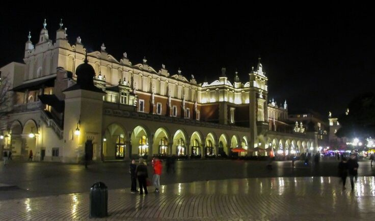 Krakow Poland cloth hall picture taken by ICU SHINE Photography