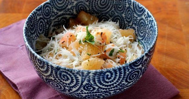 Come preparare l'insalata di spaghetti di riso all'asiatica in 10 tappe