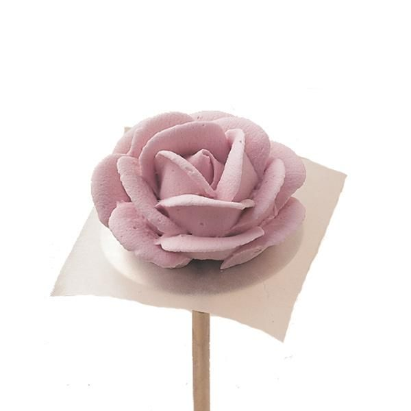 Roses - Create this magnificant rose—the most popular icing flower of them all. With practice, your roses will have the just-picked look of ...