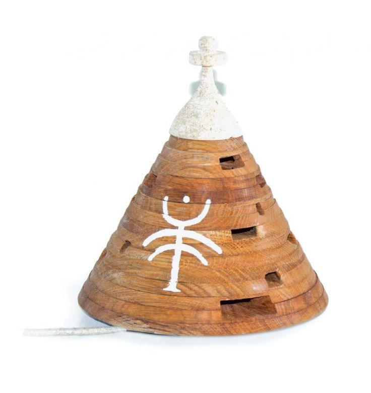 Table lamp Trullume. Made of oak wood and mazzaro tuff. Designer: Saverio Fasulo.