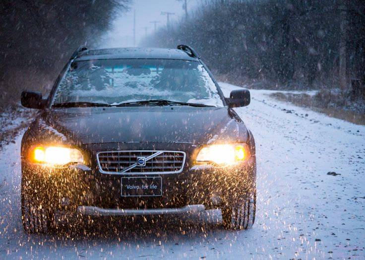 Volvo XC70 in the snow. Snow day makes another kind of car portrait! Photo by Kay Martinez - MatsuFoto Photography.