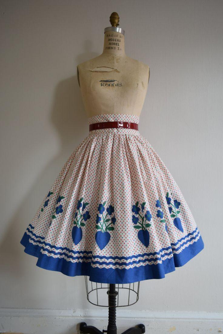 Heart Full jaren 1950 nieuwigheid rand afdrukken volop katoen rok. Grootte: Small - Medium.  Darling 50s katoen grens print rok met blauwe
