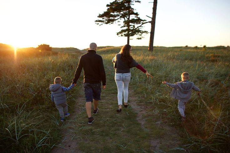 Você tem alguma viagem genealógica e de história familiar planejada para realizar pesquisas nestas férias escolares de meio de ano? Se você já fez uma antes, como foi a sua experiência? www.FamilySearch.org #EncontreLeveEnsine #minhas4geracoes