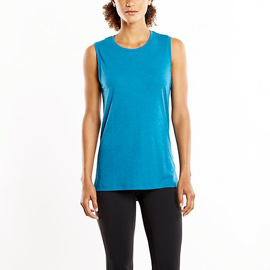 This top will take you to your next yoga class and beyond. The high neck line and longer length give you the coverage you need so you can focus on making every inverted moment count.