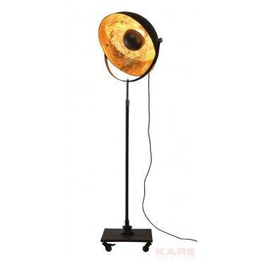 #Lampadaire massif dans un design factory tendance. Les deux demi-boules de tailles différentes répandent une agréable lumière indirecte. L´intérieur doré crée une atmosphère #cosy. L´abat-jour est pivotant.  Lampadaire Dottore Kare #Design