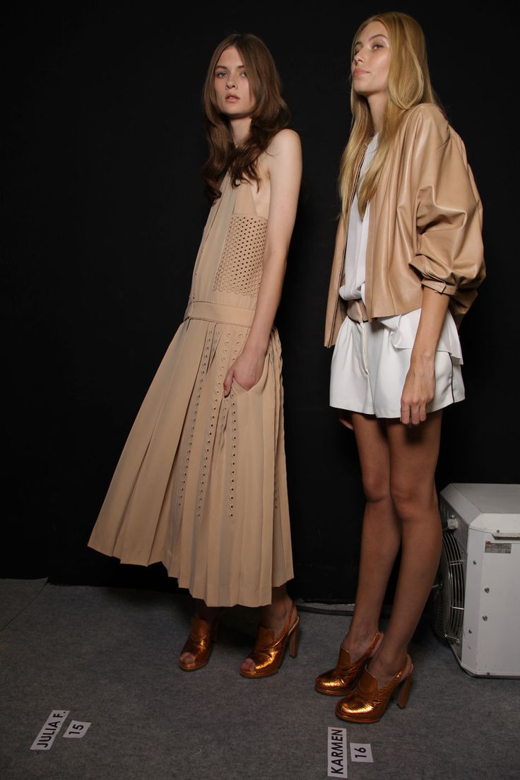 Chloé at Paris Fashion Week Spring 2012 - StyleBistro