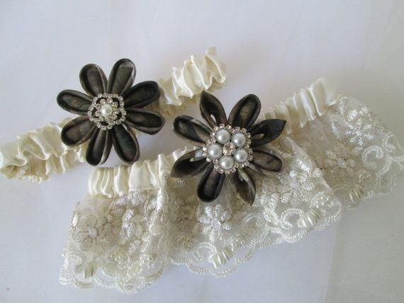 Mossy Oak Camo Wedding Garter Set Ivory Pearl Lace Bridal Garters Real Tree