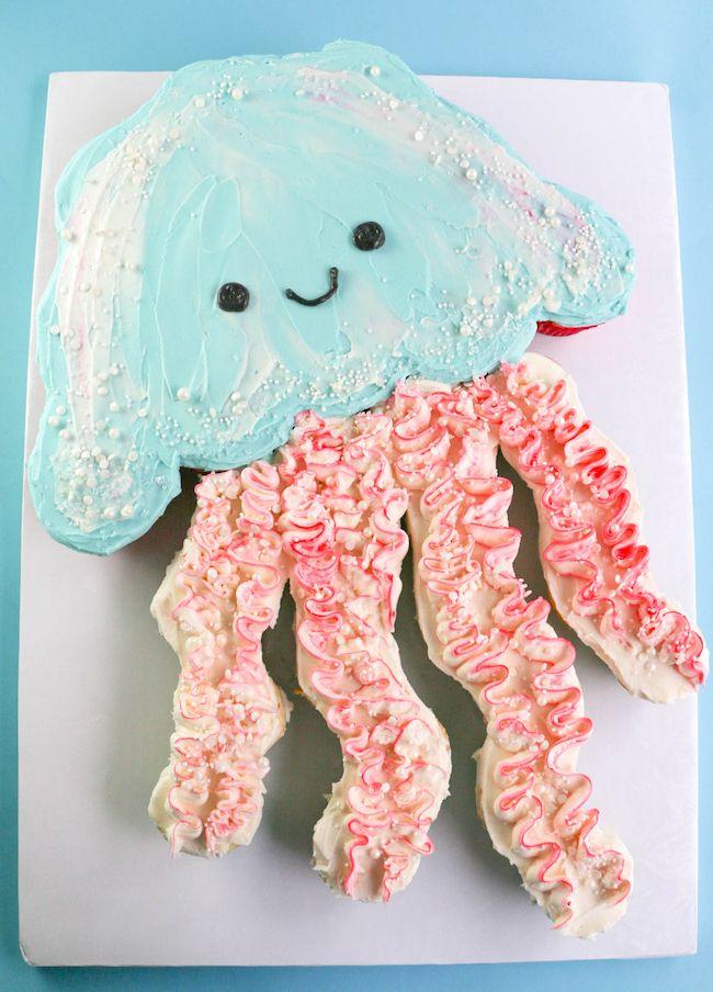 Jellyfish Cupcake Pull-Apart cake