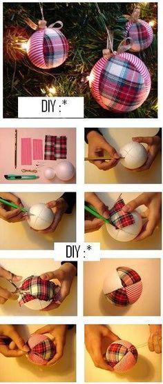 Bolas navideñas con tela escocesa combinada con rayas. Fabric ornament
