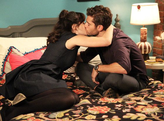 Oh No, a Breakup Is Coming on New Girl: Zooey Deschanel Dishes on Romance Woes New Girl, Zooey Deschanel, Julian Morris