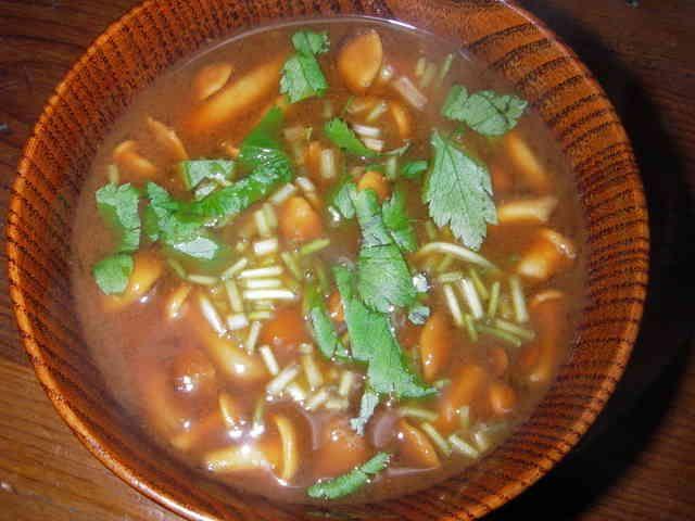 銀座で食べたナメコの赤だし味噌汁の画像