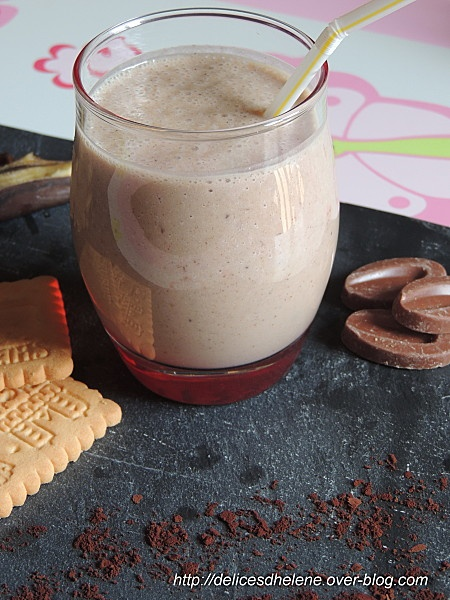 Smoothie banane-chocolat-noisette