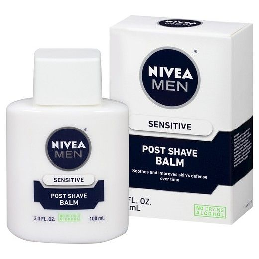 Formulated with Chamomile, Vitamin E, and Provitamin B5, Sensitive Post Shave balm immediately helps to calm and soothe skin and alleviate skin dryness after shaving.