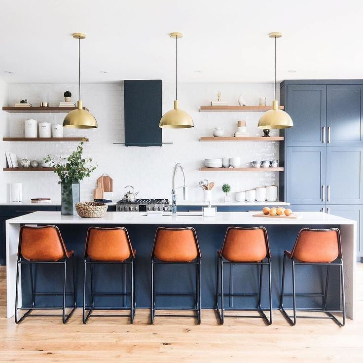 This. Kitchen. #shelbymodpendant (via @leclairdecor) / Shop our Shelby Mod Pendant - link in profile #schoolhouseliving #schoolhouseelectric