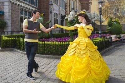 How to Become a Princess at Walt Disney World :] ....If I ever find myself unemployed, I'm totally going down this career path!  I could be Belle! Well.. If I ever meet the height requirement :P
