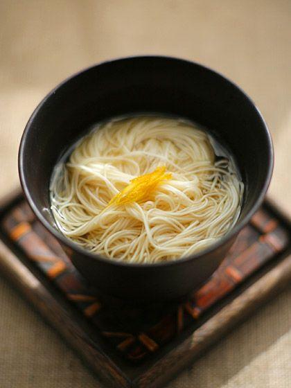 柚子温麺 Yuzu noodle - In clear soup, with a hint of citrus flavor