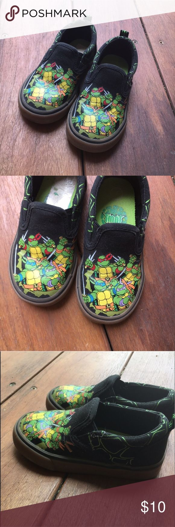 {TMNT} Slip On Skate Shoes Toddler 7 EUC! Only worn 2-3 times. Clean and ready for your little Shredder! Teenage Mutant Ninja Turtles Vans style slip on sneakers/loafers. Fit true to size. Comfy, cowabunga cool! Offers warmly welcomed. Disney Shoes Sneakers