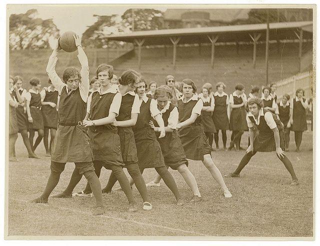 School tunnel ball, Sydney ca.1930, by Sam Hood.