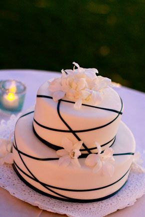 hawaii wedding cake, photo by nateandjenna.com
