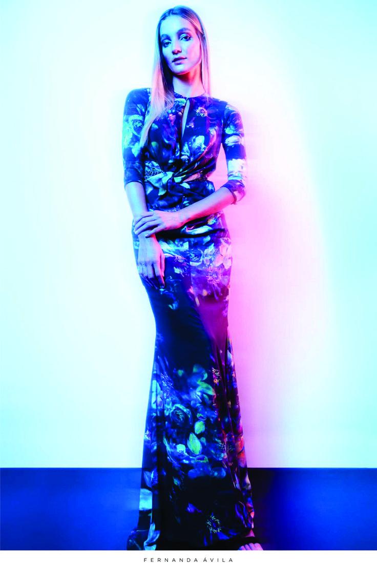 {Vestido Mirian} Vestido Floral com decote frente e costas e bordado na cintura ;)