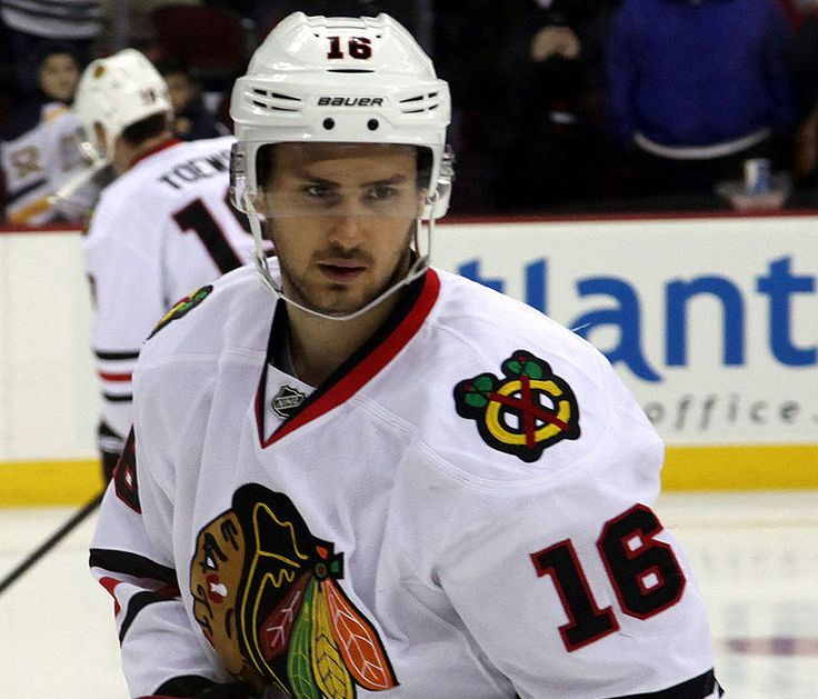 NHL News: Marcus Kruger, Chicago Blackhawks agree to 3-year $9.25M extension - http://www.sportsrageous.com/nhl/nhl-news-marcus-kruger-chicago-blackhawks-agree-to-3-year-9-25m-extension/11231/