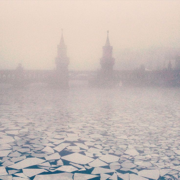 #berlin #winter #fog #kreuzberg #berlinkreuzberg #oberbaumbrücke #bridge #ice #river #spree #mosaic