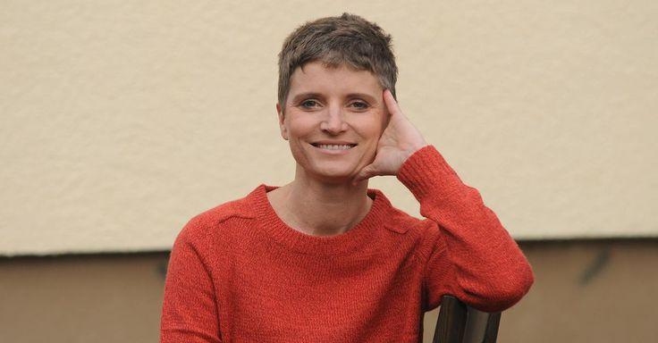 """Hirntumor-Patientin berichtet: """"Heute lebe ich mein drittes Leben"""" - FOCUS Online"""
