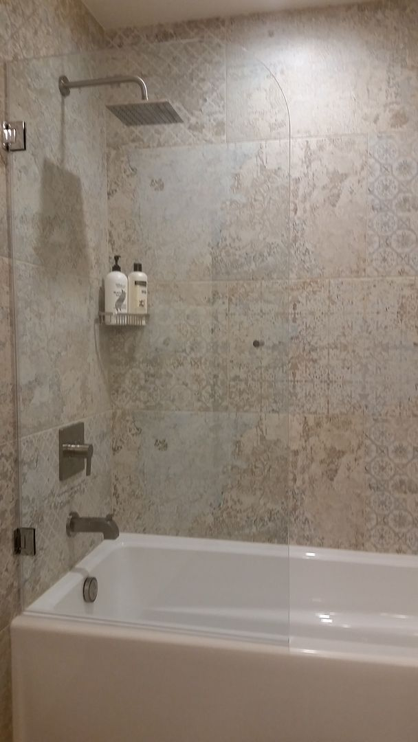 Interested To Know What It Looks Like To Replace A Shower Curtain With A Beautiful Glass Shower Screen Th Glass Bathtub Bathtub With Glass Door Replace Shower
