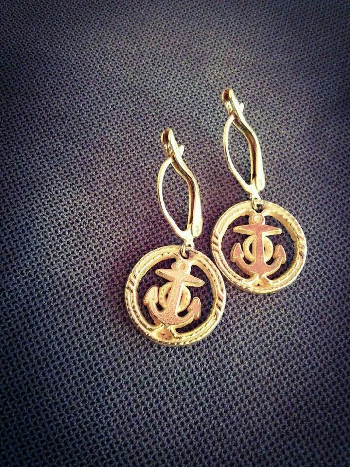 Vintage anchor earrings. Price : 10 €
