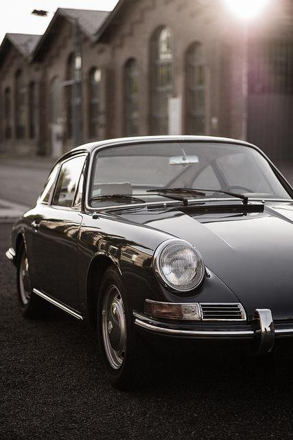 Porsche clásico - coche, lujo, clásico, carretera, velocidad, estilo de vida, espectacular, precioso, negro. www.cochessegundamano.es