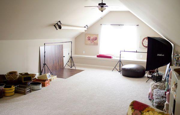 A decoração para estúdio fotográfico em casa deve também ser bonita, além de funcional (Foto: blog.confessionsofanewoldhomeowner.com)