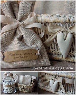 Sacchetti di lino con targhetta.