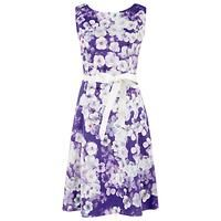 http://www.occasionoutfits.com/purple-wedding-guest-outfits.php