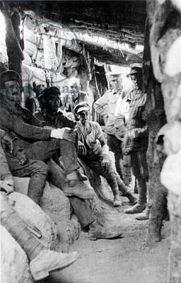 Turkey / Gallipoli Campaign: Allied troops in the trenches at Gallipoli, 1915 / 1916