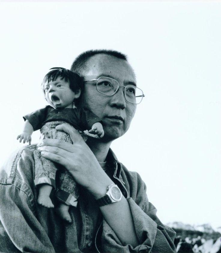 Chine: Liu Xiaobo, Nobel de la paix mort sans avoir vu son prix - Libération