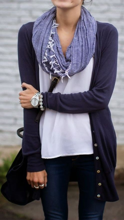 easy fall outfit. navy cardigan. white tee. skinny jeans. scarf.