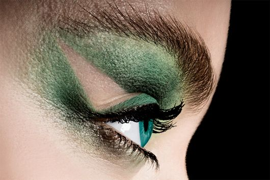 Eyeliner: Beauty Photography by Carsten Witte | Inspiration Grid | Design Inspiration