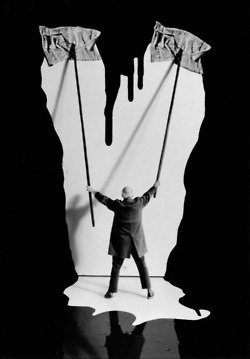 Surreal photography by Gilbert Garcin