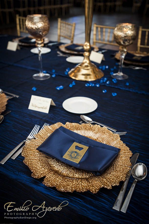 Navy Blue And Gold Table Setting Wedding Tablescapes In