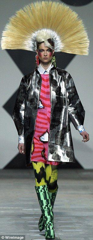 Seriously?  London Fashion Week: Louis Grey, Fashion Diy'S, Diy'S Idea, Color, Louise Gray, Mohawks, Fashion Files, London Fashion Week, Louis Gray