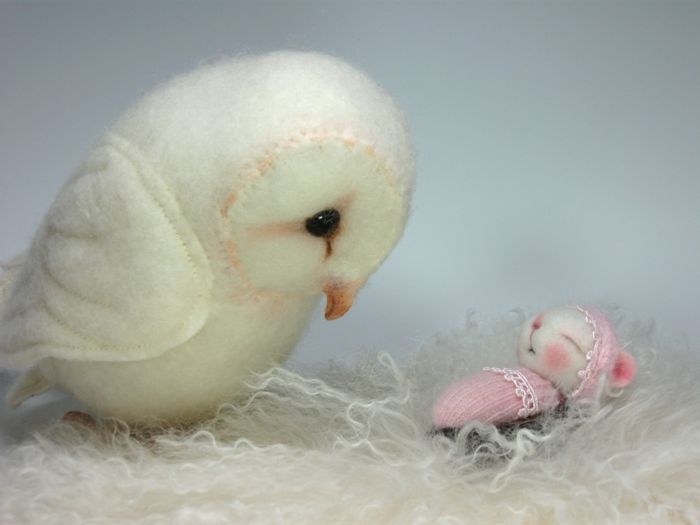 Pawdling mouse sold - Helen Priem made the precious owl and he is not for sale.