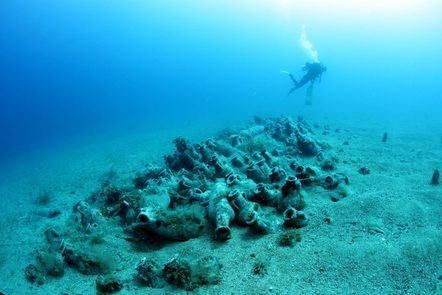 Free online course: Shipwrecks and Submerged Worlds: Maritime Archaeology. 4 weeks; 4 hours a week. University of Southampton.