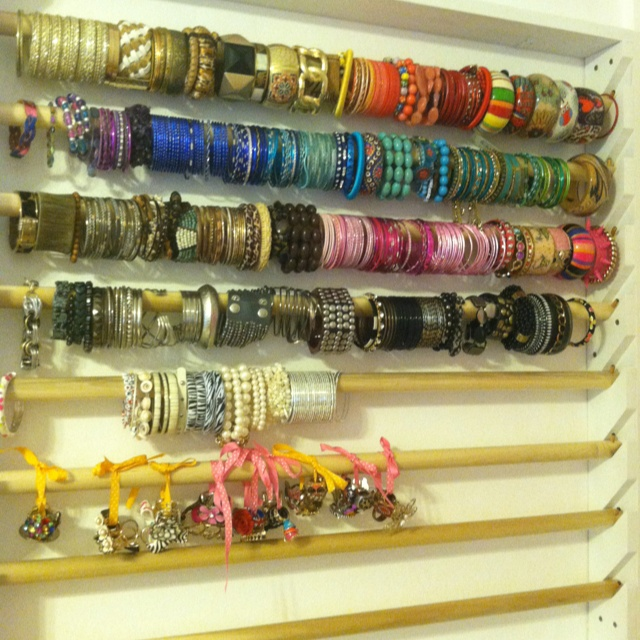 Perfect Way To Organize Bracelets Fun Stuff Jewelry Organization Bracelet Organizer